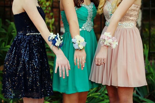 květiny na rukou